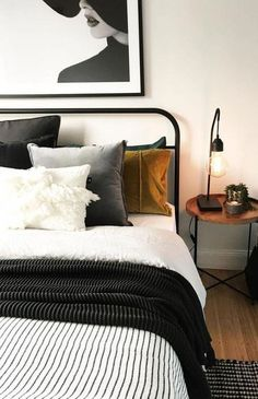 Dark bedspread, neutral bedroom #bedroominspo
