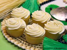 homemade cupcakes with buttercream frosting recipe