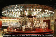 Manège chevaux de bois. Musée de arts forains.