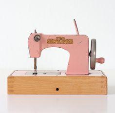Vintage Sewing Machine  KAY AN EE Pink Toy Sew Master by bellalulu, $58.00