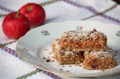Jablkový koláč s ovsenými vločkami Low Cholesterol Diet, Oatmeal, Dessert Recipes, Food And Drink, Gluten Free, Vegetarian, Healthy Recipes, Baking, Breakfast