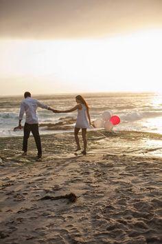 Engagement Session : Beach Love Shoot - Belle The Magazine