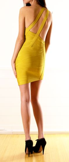 HERVE LEGER BY MAX AZRIA: Alabaster texture-beaded bandage flared dress, alabaster cotton eyelet skirt, alabaster leather geometric clutch and nude leather ankle-strap pump Fashion # Herve Leger Elegant Prom Dresses, Sexy Dresses, Cute Dresses, Evening Dresses, Herve Leger Dress, Moda Chic, Yellow Fashion, Mellow Yellow, Up Girl