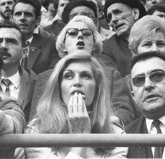 Jean Dieuzaide (1921-2003), Dalida à la corrida, Toulouse, 1966.