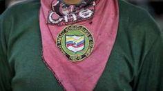 Image copyright                  Getty Images                                                                          Image caption                                      Queda pendiente la aprobación de la ley que permite a los miembros de las FARC participar en política.                                Ambas cámaras del congreso colombiano aprobaron una ley d