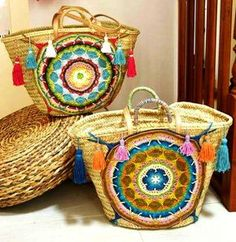 Creative crochet ideas – Just Trendy Girls Crochet Purses, Crochet Doilies, Crochet Bags, Crochet Ideas, Diy Sac, Boho Bags, Craft Bags, Basket Bag, Summer Bags