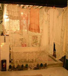 the lace Bathroom  Hippy Style <3