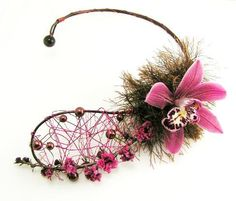 Floral neckpiece which I have see beautifully created by Kara Grier