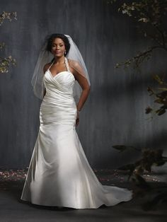 Top 10 Plus Size Wedding Dress Designers By Pretty Pear Bride #plussize #bride | Gown by Alfred Angelo