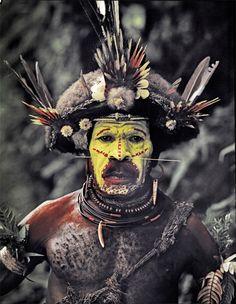 ジミー・ネルソン(Jimmy Nelson) > BEFORE THEY PASS AWAY(http://www.beforethey.com/) > (彼らが消えて行く前に) > 少数民族の文化を記録したプロジェクト > フリ (パプア・ニューギニア)