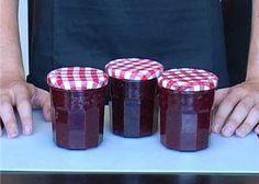 Confiture de fraises Nespresso, Sweet Recipes, Jelly, Sweet Tooth, Vegan, Cooking, Tableware, Sauces, Liqueurs