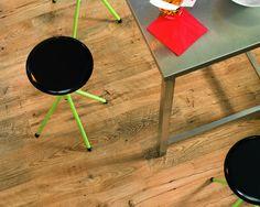Quick-Step parquet : les 15 plus beaux parquets pour la maison Vinyl Flooring, Kitchen Flooring, Laminate Flooring, Quick Step Parquet, Wide Plank, Floor Design, Living Room Inspiration, Showroom, Natural