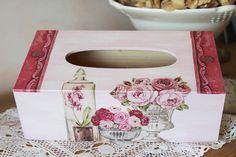 Boite à mouchoirs en bois, shabby chic - Bouquets de fleurs, vases et pots : Boîtes, coffrets par charmy-co