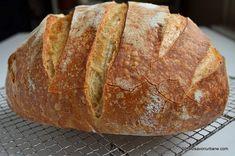 Paine de casa traditionala ungureasca | Savori Urbane Cooking Bread, Bread Baking, Eggs Benedict Recipe, Bread Recipes, Cooking Recipes, Romanian Food, Just Bake, Tasty, Yummy Food