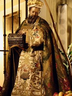 Joy Of Life, Rich Colors, Body Heat, Reyes, Statues, Crib, Nativity, Madrid, Saints
