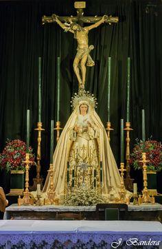 Si hay una hermandad sencilla, humilde y ejemplo de muchos esa está en la collación de San Vicente y se llama Vera+Cruz, donde sus altare...