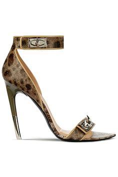 #Givenchy http://liviamoraes.com.br/