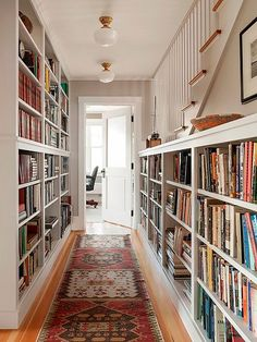 Built-in bookshelves lining a long hallway in a Shingle-Style Oceanfront Cottage in Maine (designed by Whitten Architects) Hallway Decorating, Decorating Small Spaces, Decorating Ideas, Decor Ideas, Bookcase Decorating, Interior Decorating, Decorating Websites, Interior Paint, Art Ideas