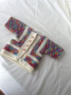 Ravelry is a community site, an organizational tool, and a yarn & pattern database for knitters and crocheters. Knitting For Kids, Baby Knitting Patterns, Baby Patterns, Knitting Projects, Baby Cardigan, Cardigan Bebe, Knit Baby Sweaters, Knitted Baby Clothes, Knit Or Crochet