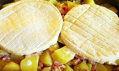 Tartiflette (la recette originale) – Rebel Without Applause Potato Recipes, Snack Recipes, Y Recipe, Salty Foods, Recipes From Heaven, French Food, What To Cook, Winter Food, I Love Food