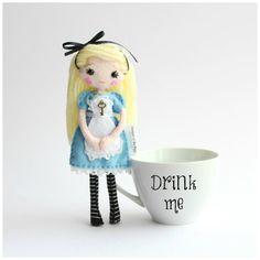 18cm Alice in Wonderland Felt Doll with Key, Fairytale Doll, Fantasy Present, Doll in Gift Box, Blond Doll