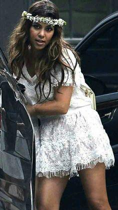 kourtney kardashian wedding dress
