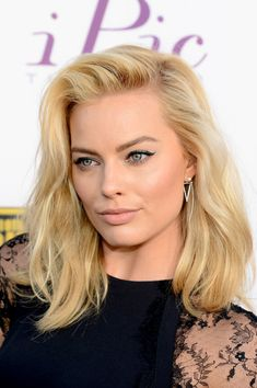 Actress Margot Robbie attends the 19th Annual Critics' Choice Movie Awards at Barker Hangar on January 16, 2014 in Santa Monica, California....