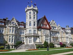 Gaudi, Villas, Magdalena, Spain, Mansions, House Styles, Travel, Home Decor, Palaces