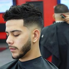 low skin fade with hair design Temp Fade Haircut, Taper Fade Haircut, Tapered Haircut, Low Fade Mens Haircut, Haircut Men, Low Skin Fade, Beard Fade, Trending Haircuts, Haircuts For Men