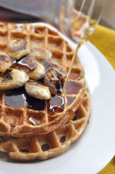 Oatmeal and Applesauce Waffles