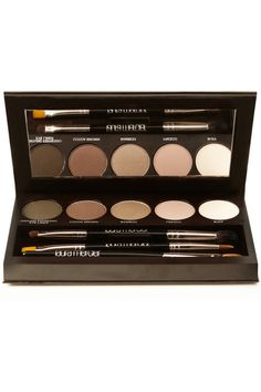 Laura Mercier's palettefor creating the ultimate smoky eye look. Prime, enhance and highlight.