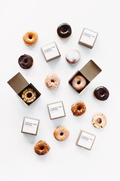 For your brunch bash, hand out these boxed donuts as fun engagement party favors (particularly if you have a favorite bakery in town). Remember that favors aren't required for an engagement party, but if you want to give them, they are a lovely gesture. Wedding Favors For Men, Engagement Party Favors, Wedding Gifts, Engagement Parties, Wedding Engagement, Engagement Brunch, Engagement Pictures, Engagement Shoots, Engagement Photography