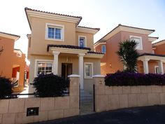 MURCIA. ENJOY THIS BEAUTIFUL VILLA, AT THE FOOT OF A NATURAL AREA FOR AN AMAZING PRICE!  2 Beds, 2 Baths  €75k SpainPropertyPartners.Com Beautiful Villas, Murcia, Investment Property, Baths, Spain, New Homes, Mansions, House Styles, Natural