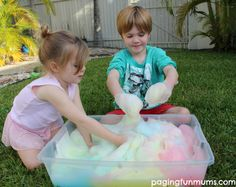 Such a simple & fun activity for kids…DIY Jelly Soap Foam! Only 2 ingredients are needed! Projects For Kids, Diy For Kids, Cool Kids, Crafts For Kids, Kids Fun, Craft Kids, Fun Activities For Kids, Sensory Activities, Sensory Play