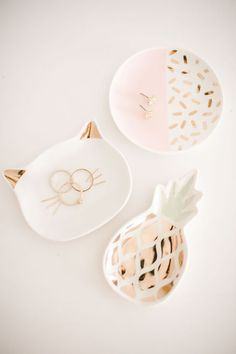 Add a feline touch to your armoire with this LC Lauren Conrad trinket tray, adorned with cat ears and whiskers. Lc Lauren Conrad, Jewelry Box, Jewelery, Gold Jewellery, Ring Dish, Diy Clay, Clay Projects, Ceramic Art, Home Accessories