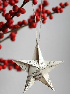 Weihnachten Deko Origami star Ornament Set of 3 – Vintage-book-pages Easy Christmas Ornaments, Noel Christmas, Simple Christmas, Minimalist Christmas, Paper Ornaments, Origami Christmas, Jesse Tree Ornaments, Christmas Foods, Elegant Christmas