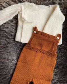 Omslagsjakke og bukse fra #sandnesgarn av pinnene 😍 strikket i #sisu og #babyulllanett i enkle høsttoner 🍂🍁 #strikk #heimelaga #knitting Burlap, Men Sweater, Reusable Tote Bags, Projects, Sweaters, Fashion, Threading, Log Projects, Moda