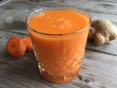 Wortelsmoothie met mango en gember click now for more info. How To Make Smoothies, Apple Smoothies, Good Smoothies, Smoothie Drinks, Smoothie Recipes, Green Smoothies, Carrot Smoothie, Smoothie Diet, Detox Drinks