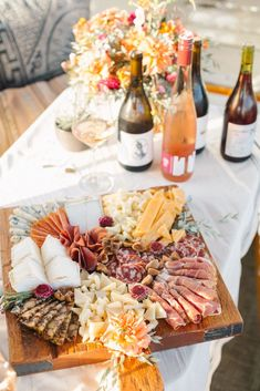 Trendy appetizers for party girl night wine tasting ideas Wine And Cheese Party, Wine Tasting Party, Wine Parties, Wine Cheese, Cheese Platters, Food Platters, Drink Wine Day, Food And Drink, Boat Food
