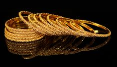 Gold-Bangles-new-design-2.jpg 1,500×869 pixels Dubai Gold Bangles, Gold Bangles Design, Indian Gold Bangles, Gold Jewellery Design, Bee Jewelry, Jewelry Shop, Gold Jewelry, India Jewelry, Clay Jewelry