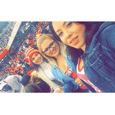 49ers vs Flacons w/ my beauties❤️ #49ers #beatthefalcons #levistadium #family