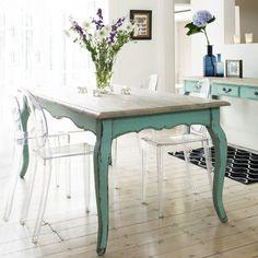Contemporary perspex - distressed wood - aqua colours = winner