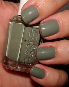 The latest tips and news on essie are on Beautopia Nails. On Beautopia Nails you will find everything you need on essie. Fancy Nails, Cute Nails, Pretty Nails, Essie Nail Polish, Nail Polish Colors, Essie Colors, Green Nails, Pink Nails, Manicure Y Pedicure