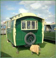 Old Caravan by Welsh Harlequin, via Flickr