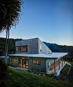 "Designed by David Maurice of LTD Architectural, the award-winning Back Country House"" is a stunning retreat located in the settlement of Puhoi, just north of Auckland, New Zealand. The two-storey residence plays on the uniquely New Zealand typo"
