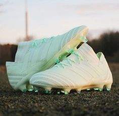 Adidas Soccer Boots, Adidas Cleats, Adidas Football, Nike Soccer, Cool Football Boots, Football Shoes, Football Cleats, Cute Football Players, Best Soccer Shoes