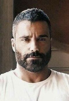 Beard Styles For Men, Hair And Beard Styles, Short Hair Styles, Mens Facial, Facial Hair, Hairy Men, Bearded Men, Scruffy Men, Maluma Haircut