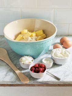 Kitchen> Preparation   Betty mixing bowl