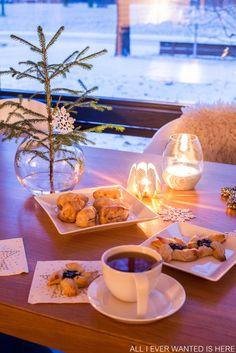 Blossom tealight candle holder - Be&Liv http://www.beandliv.com/products/blossom-tealight-candle-holder-white #christmas #light #design #home