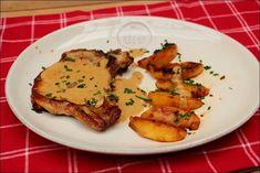 Une nouvelle preuve que le porc s'accommode à merveille des accords sucrés-salés : ces côtes de porc au cidre et aux pommes poêlées de Trish Deseine. French Toast, Meals, Chicken, Cooking, Breakfast, Food, Ainsi, Casseroles, Pig Kitchen